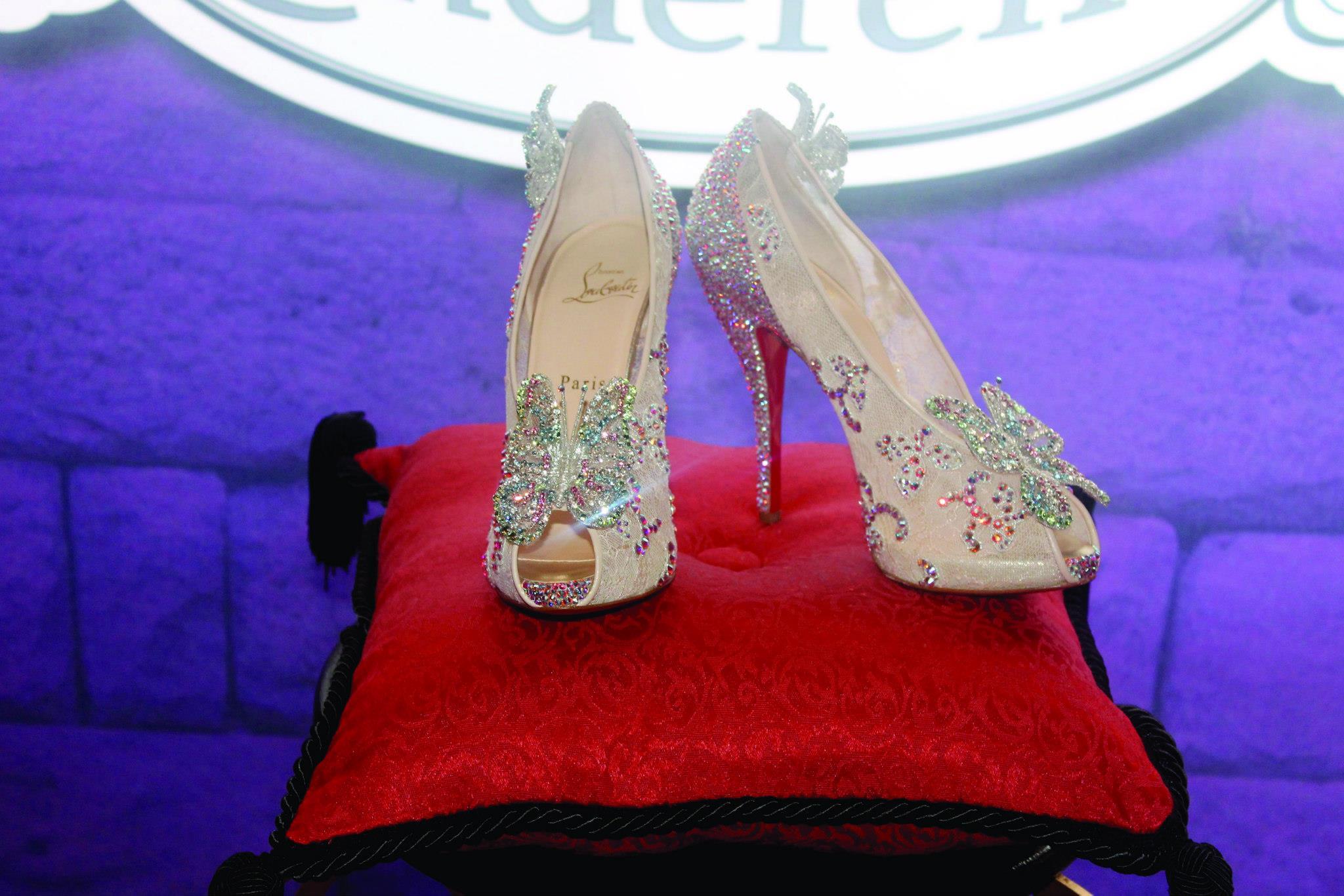 chaussure en verre louboutin